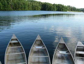 canoes at cabin rental in helen ga